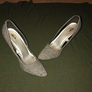 Mossino black and white fabric heels